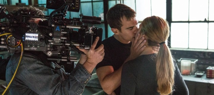 Check Out These New Behind-the-Scenes Divergent Stills from the Official iPad app!