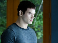 Kellan Lutz Briefly Chats About the New 'Twilight' Stories