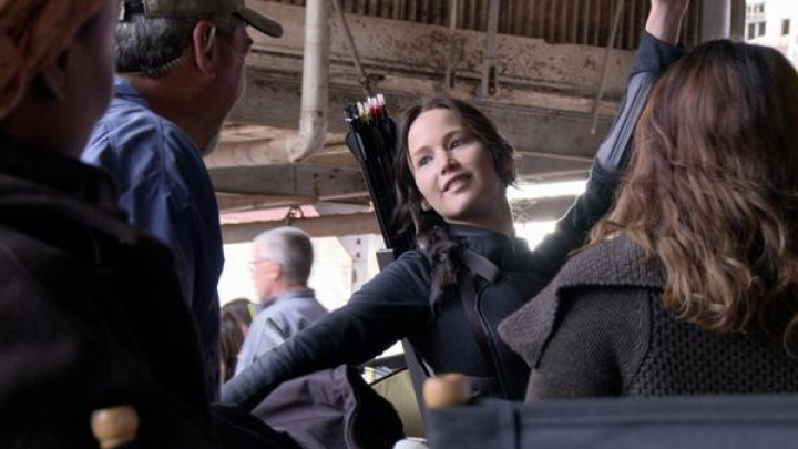 The Making of 'Mockingjay Part 1' Clip — See How They Made Katniss Everdeen's Costume