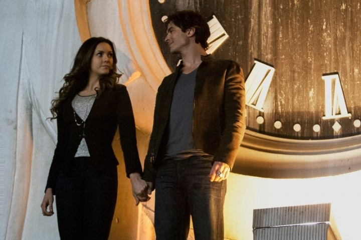 """'Vampire Diaries' Season 6, Episode 20 Extended Preview: """"I'd Leave My Happy Home for You"""""""