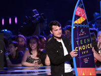 Photos: Josh Hutcherson at the 2015 Teen Choice Awards!