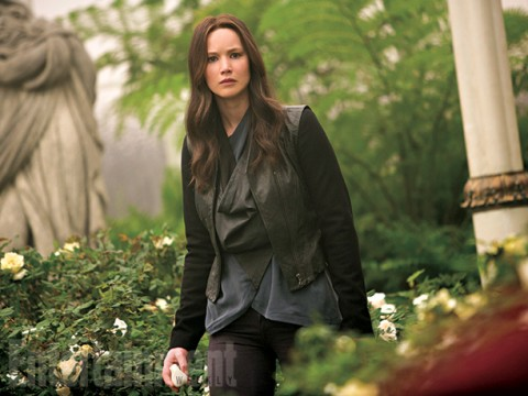 New 'Mockingjay Part 2' Pictures Show Katniss's Final Confrontation With President Snow